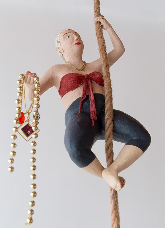Pappmachéfigur von Johanna Iversen